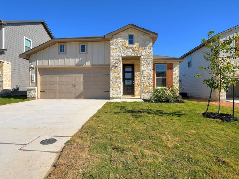 4910 Oxbow Bend